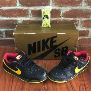 Nike Shoes - Nike Dunk Low Premium SB - Space Tiger Edition